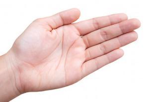 10 đầu ngón tay soi rõ vận mệnh sang hèn