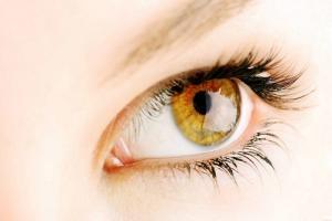 Nhất định phải tránh xa người có tướng mắt nào?