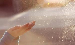 Xem tử vi cho người sinh tháng Cô hồn: Tháng có âm khí quá nặng ảnh hưởng ra sao đến vận mệnh?