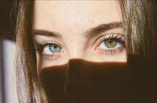 Mắt trái giật là xui xẻo sắp ập tới hay may mắn đang gõ cửa?
