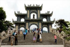 Chuyện lạ tâm linh: Ngôi chùa có tượng Phật phát quang linh thiêng huyền bí