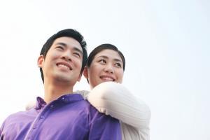 """Vợ chồng muốn hạnh phúc trọn đời bên nhau thì phải """"tu khẩu"""""""