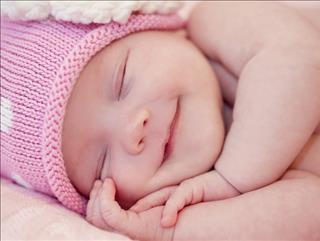 Sinh con vào tháng cô hồn có tốt hay không?