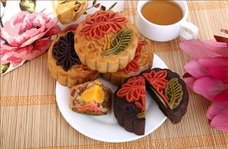 Tìm hồn văn hóa Việt trong những chiếc bánh Trung Thu độc lạ
