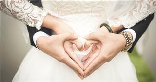 Yêu nhau tha thiết, gặp tuổi xung thì làm thế nào?