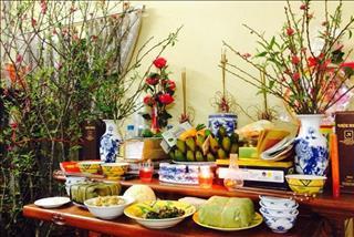 Lau dọn bàn thờ cuối năm đúng cách để gia tiên phù hộ năm mới tấn tài tấn lộc