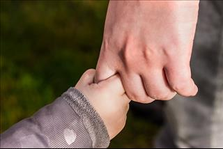 Top 4 cung hoàng đạo không muốn trưởng thành, ỷ lại vào cha mẹ nhất