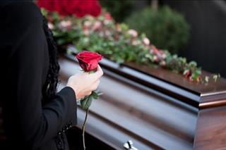 Tháng cô hồn kiêng dự đám tang liệu có đúng không?