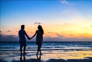 Tình yêu nữ Cự Giải - nam Song Ngư: Khao khát yêu thương nên dễ dàng tha thứ