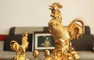 Tượng gà trống phong thủy: Linh vật thần kỳ hóa giải đào hoa sát và họa tiểu nhân