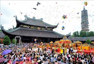 Những lễ hội đầu năm 2019 Kỷ Hợi thu hút đông đảo mọi người