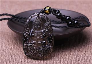 Đeo tượng Phật trên người: Nên hay không, liệu có bị coi là phạm kỵ?