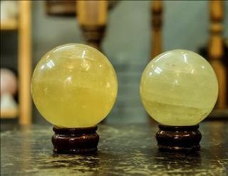 Lựa quả cầu phong thủy hợp mệnh Kim giúp xua tan hung khí, hóa giải vận đen