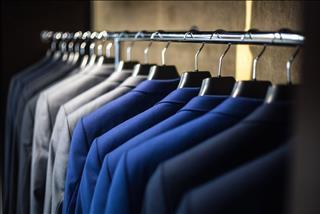 Lưu ý phong thủy tủ quần áo: Nên và không nên làm gì?