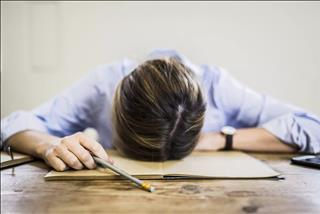 Nếu bạn đang bị stress vì quá tải công việc, hãy đọc ngay bài viết này!