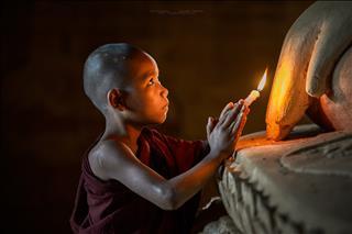 Bái Phật thực tế có 3 tầng ý nghĩa, bạn hiểu được mấy tầng?