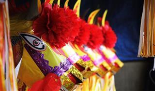 Năm Canh Tý cúng ngựa màu gì trong mâm lễ Giao thừa ngoài trời 2020?