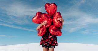 Tử vi hôm nay 8/8/2020 về tình yêu của 12 con giáp: Tình đầy tim ai?