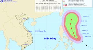 Yêu cầu các địa phương sẵn sàng ứng phó siêu bão Surigae rất nguy hiểm, mạnh cấp 17
