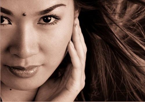 Vị trí nốt ruồi cát lợi trên khuôn mặt nữ giới