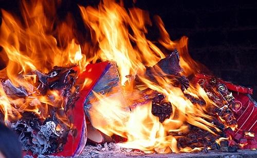 Nguồn gốc lễ cúng cô hồn tháng 7 - Cúng xá tội vong nhân