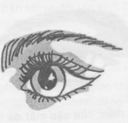 Khóe mắt cong là người hay ghen tỵ, có xu hướng kết hôn muộn 1
