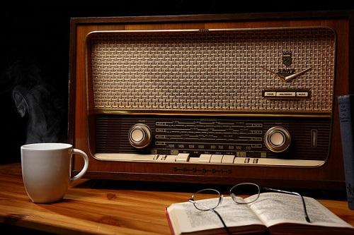 Radio va y nghia trong giac mo hinh anh