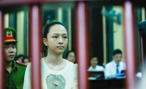 - hoa hau phuong nga tuong phu nu vat va 1 - Luận bàn tướng phụ nữ gian truân, bất hạnh nhân vụ kiện Hoa hậu Phương Nga
