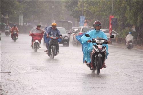 Dự báo thời tiết ngày mai 22/10: Thanh Hóa và Đà Nẵng có mưa dông
