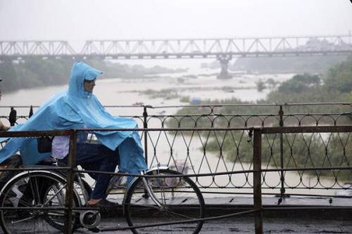 Dự báo thời tiết hôm nay 26/10: Duyên hải miền Trung sáng sớm mưa rào