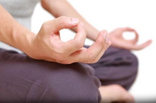 Những cách đặt tay khi ngồi Thiền cực đơn giản giúp bạn tìm thấy bình yên