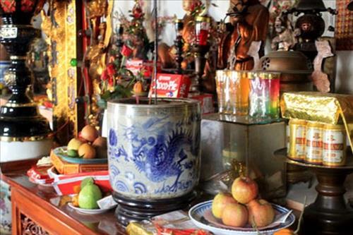 Hiểu và học cách bốc bát hương đúng cách để luôn được Thần Phật phù hộ