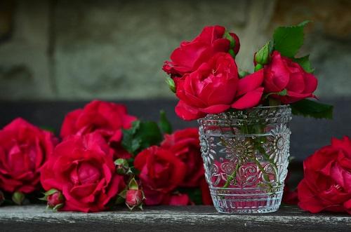 Phong thuy tinh yeu hon nhan, su dung tinh dau hoa hong
