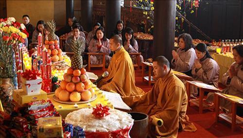 Nên làm lễ dâng sao giải hạn ở nhà hay ở chùa?