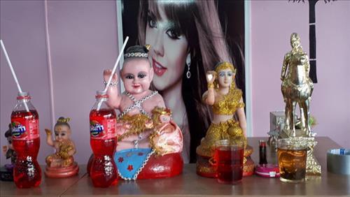Kuman Thong la vat cung cua nhieu nguoi noi tieng Thai Lan