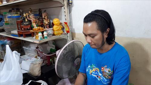 Nguoi ban Kuman Thong o Thai Lan