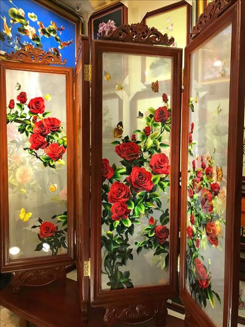 hoa tiet tren binh phong