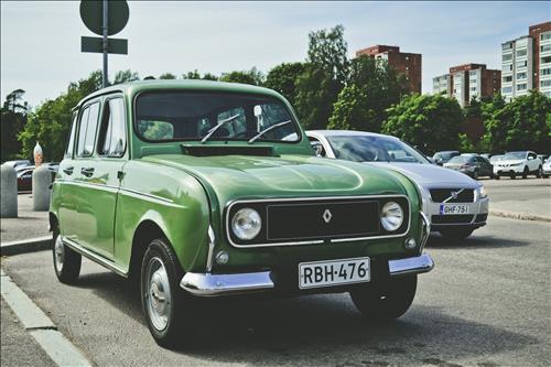 xe mau xanh la cay tuong sinh menh Hoa