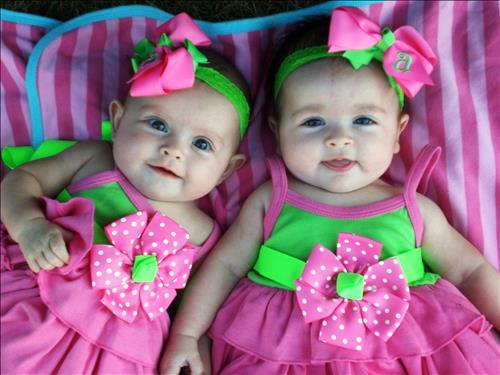 Tên Tiếng Anh cho bé sinh đôi: Đi tìm những cặp tên hoàn hảo