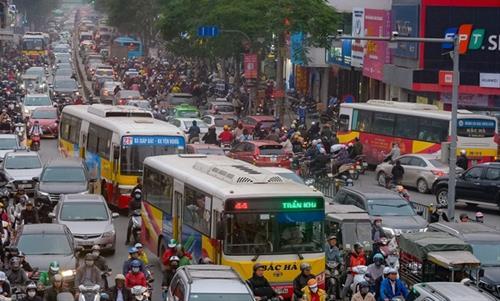 Hà Nội bố trí 100 xe buýt đưa người cách ly về địa phương