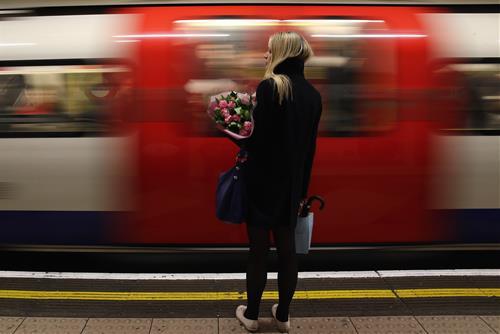 Vì sao càng trưởng thành càng cô đơn, chỉ thích ở một mình hơn bao giờ hết?