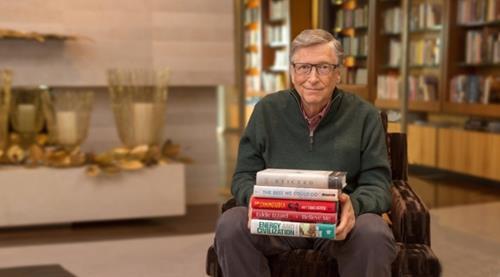 Bill Gates luon giu thoi quen doc sach