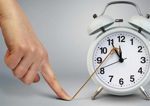 thói quen lãng phí thời gian khiến ta nghèo đi