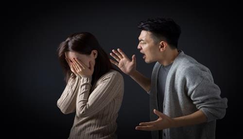 Đầu tháng cần kiêng cãi nhau, nói tục