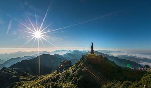 Chùa thiêng thường ở trên núi cao