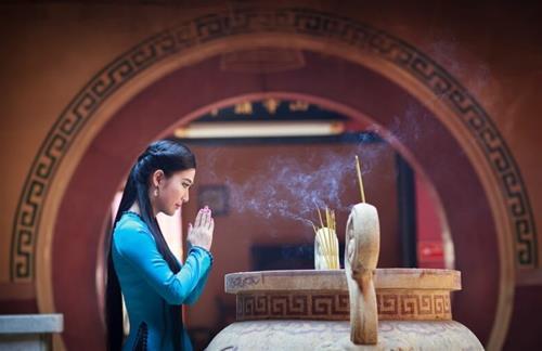\Kiểu người không cần bái Phật