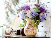 Tình yêu nở rộ nhờ đặt bình hoa ở vị trí tốt nhất trong nhà