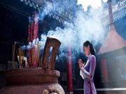 Cách dâng hương khi lễ cúng ở nhà, ở chùa, ở đền