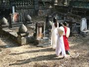 Cúng Thanh Minh để bày tỏ lòng thành con cháu với tổ tiên